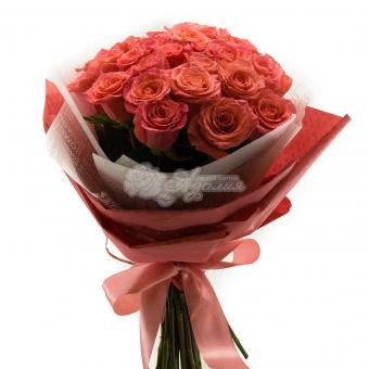 Букет из 25 роз Эквадор в упаковке